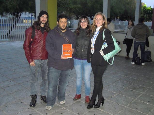 Cristina y varios estudiantes de periodismo
